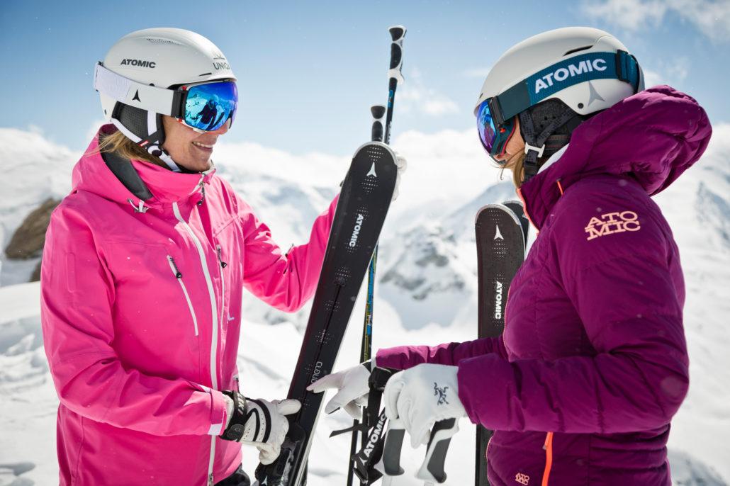Afbeelding vrouwen Atomic ski's