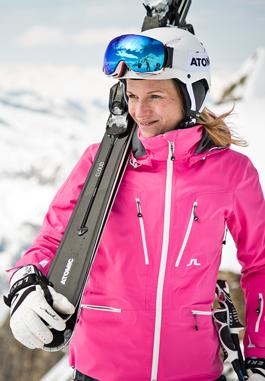 Afbeelding van een vrouw met skikleding